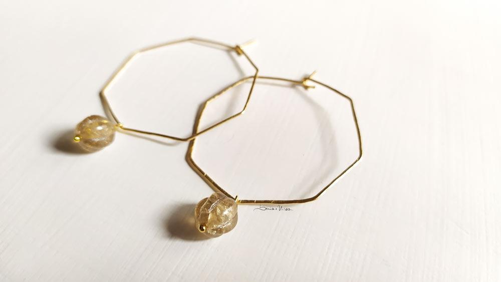 IMG_20201104_113129 Un ottagono dorato con perla di vetro e oro