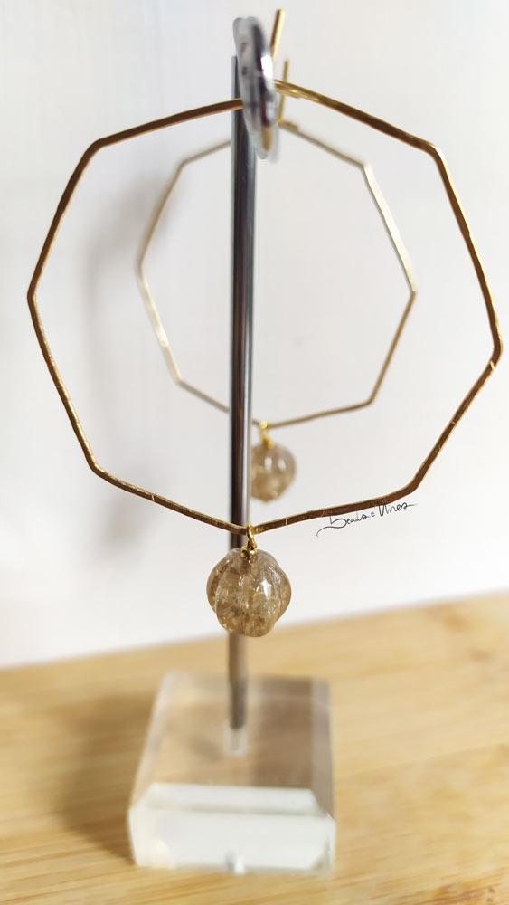 IMG_20201104_114710 Un ottagono dorato con perla di vetro