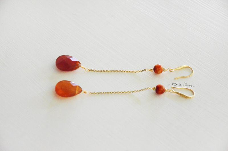 DSC_0094 Orecchini lunghi con gocce colorate