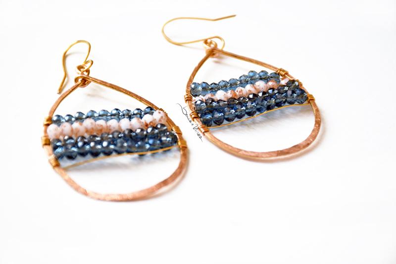 DSC_1327 Orecchini in rame e cristalli Blu mare
