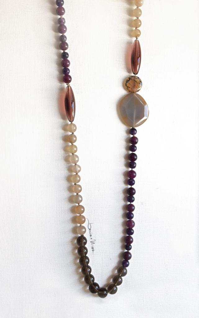 DSC_1853-641x1024 Collana di pietre viola e crema