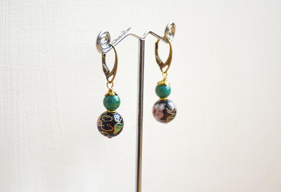 DSC_2151 Orecchini corti con perla decorata