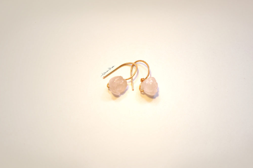 DSC_3392-1024x683 Orecchini corti con quarzo rosa
