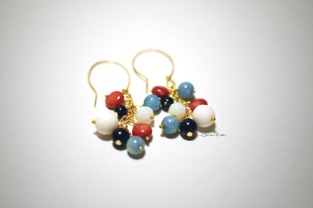 DSC_3529-1024x682 Orecchini a grappolo di pietre colorate
