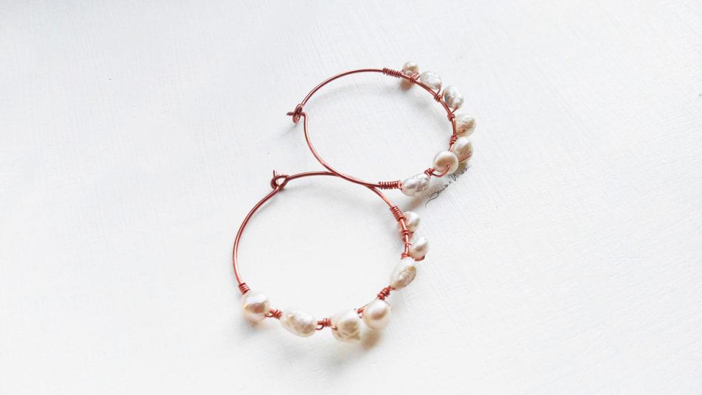 IMG_20191016_142253-1-1024x577 Orecchini in rame e perle di fiume