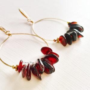 orecchini a cerchio con ambra