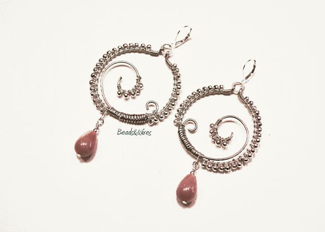 Immagine-ott2010-013 Metal earrings } beads