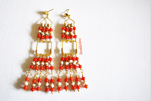 Immagine-ott2010-042-1 Orecchini lunghi Red Beads